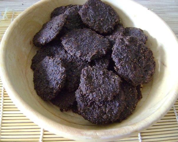 Сыроедное шоколадно-ореховое печенье