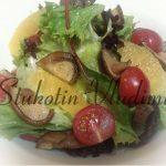 Сыроедческий салат с маринованными шитаке