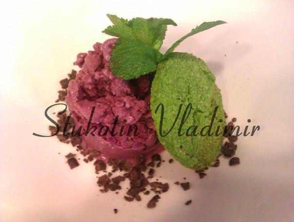 """Сыроедческий """"Ледянной десерт"""" со шпинатным печеньем"""