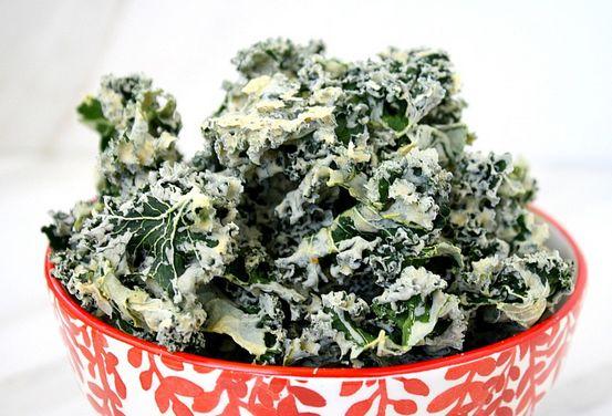 Сыроедческие чипсы из капусты или листьев салата