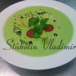 Авокадовый крем-суп с черемшой и шпинатом