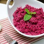 Сыроедческий салат «Свекла под майонезом»