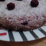 Сыроедческий вишневый торт