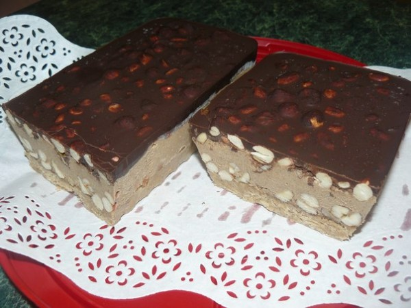 "Сыроедческий торт ""Сникерс"""